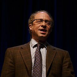 Raymond Kurzweil hablando en Stanford