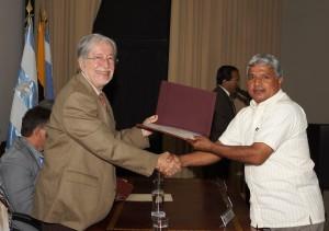 El 31 de octubre de este año, las autoridades premiaron a los profesores, mejores egresados, trabajadores y servidores de la ESPOL.