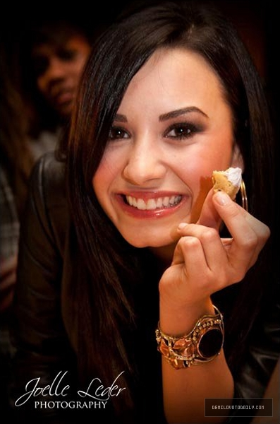 demi-lovato-isabelle-fuhrmans-13th-birthday-party-7