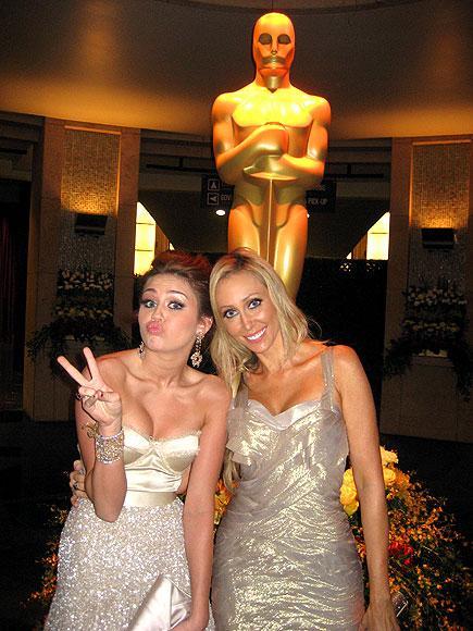 Miley Cyrus Oscar 2010