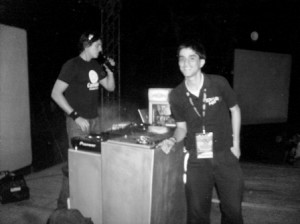 En los controles con el DJ