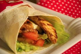 Que delicioso resulta poder servirnos un wrap de pollo,de pocas calorias