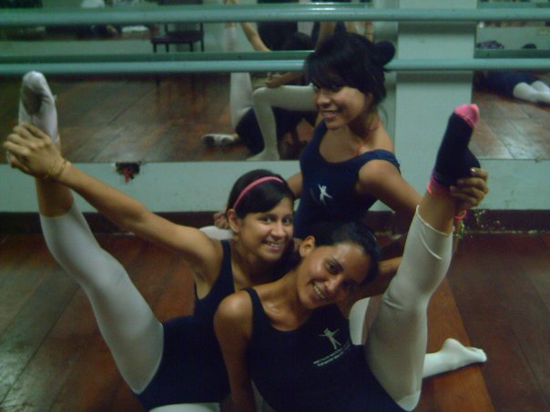 Nicole, Adriana y Libertad.