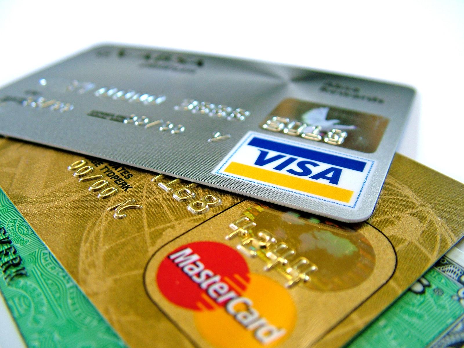 Roban una tarjeta de crédito para comprar por Internet