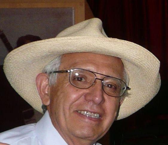 Dr. Vicente Riofrío
