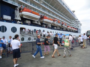 cruceros febrero manta turistas ecuador