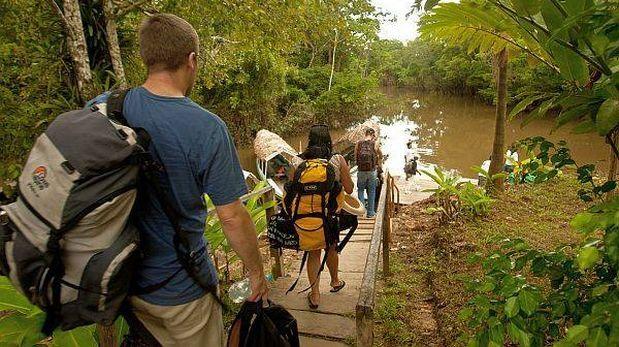 turistas ecuatorianos llegan a peru