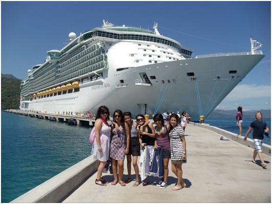 cruceros ecuador turistas montecristi manta