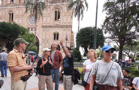 turistas azuay feriado ecuador