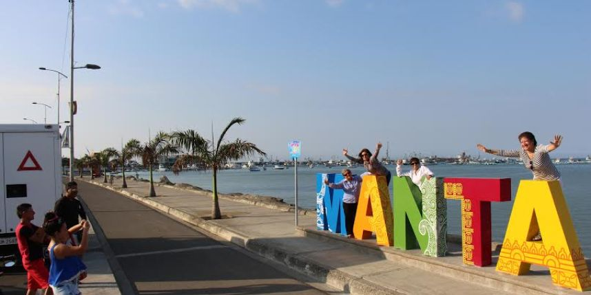 manta turismo letras feriado ecuador