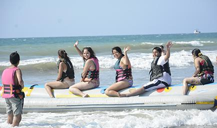 turistas feriado crucita manabi turismo ecuador