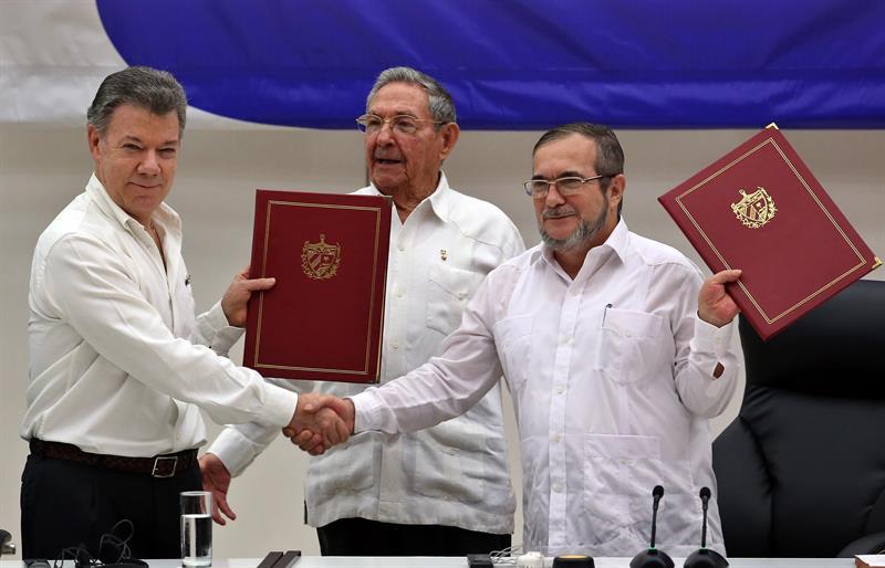 firma de paz cartagena de indias colombia turismo