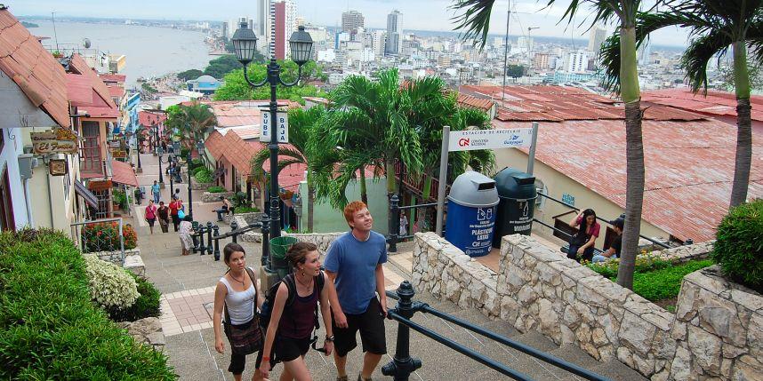 turismo en ecuador crece turistas extranjeros feriados