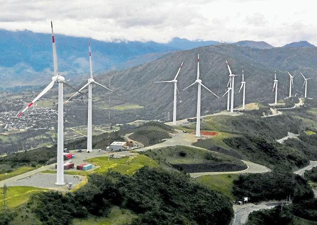 Central eólica destino altamente turístico en Villonaco, Loja, Ecuador