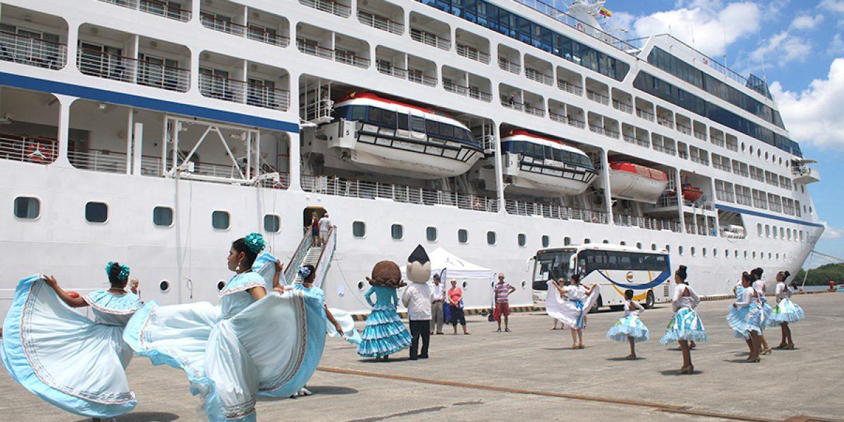 regatta crucero turismo guayaquil ecuador