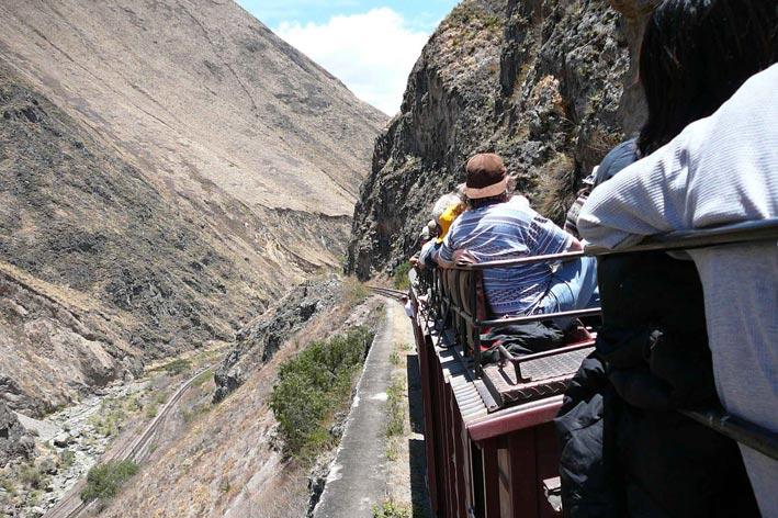 100 mil turistas menos en el primero trimestre 2017. Turismo Ecuador