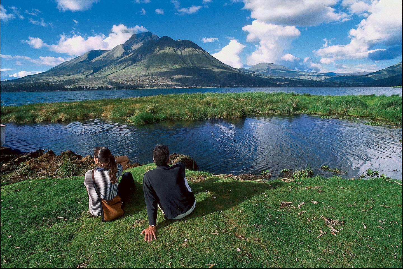 Artistas internacionales visitan Ecuador para promocionar sus atractivos turísticos