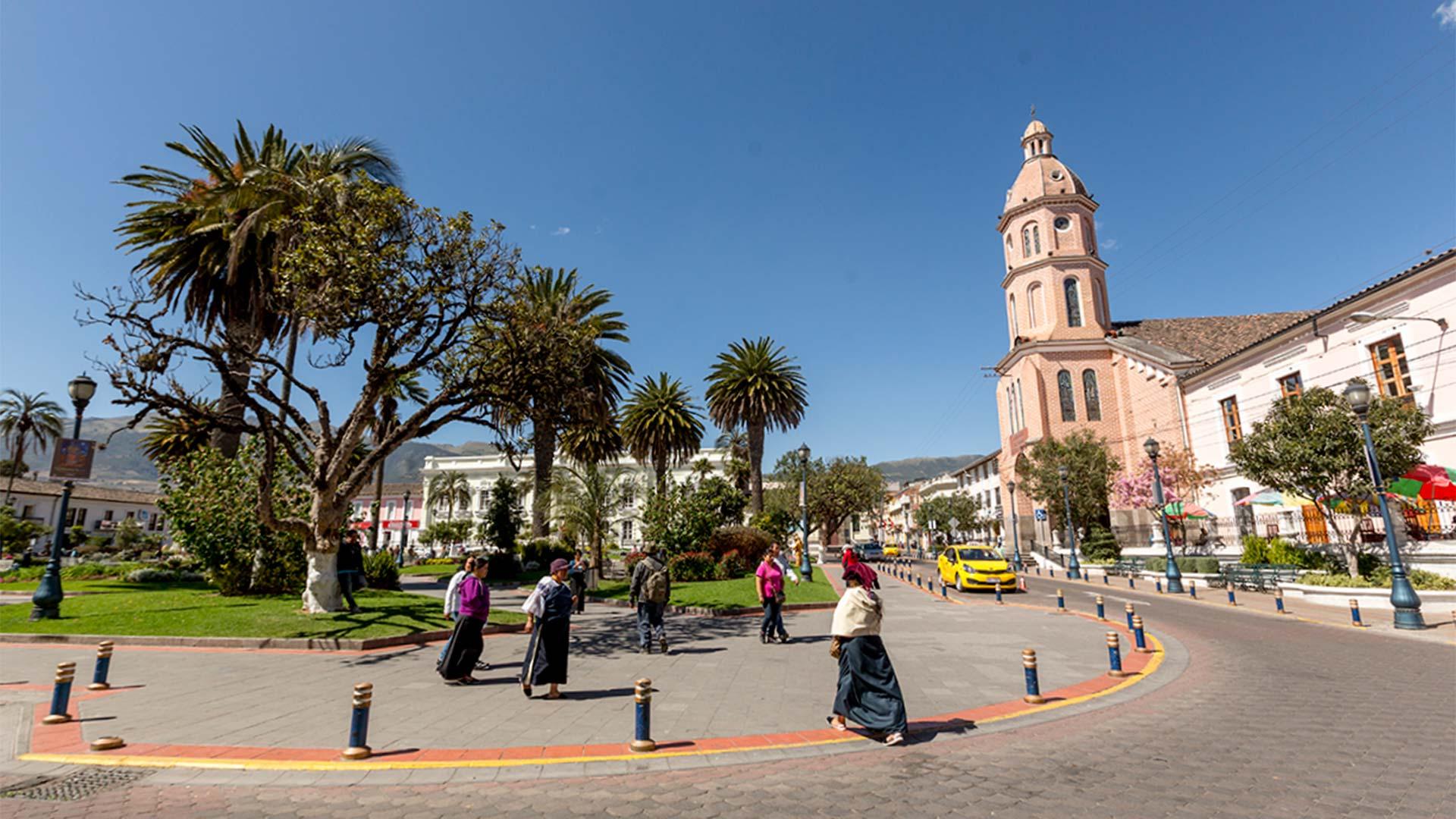 Autoridades del turismo buscan convertir a Otavalo en un destino seguro para turistas. Ecuador