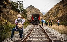 Ecuador busca reactivar la actividad con paquetes turísticos