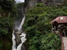 Autoridades de turismo en Baños de Agua Santa y su plan de reactivación económica. Ecuador