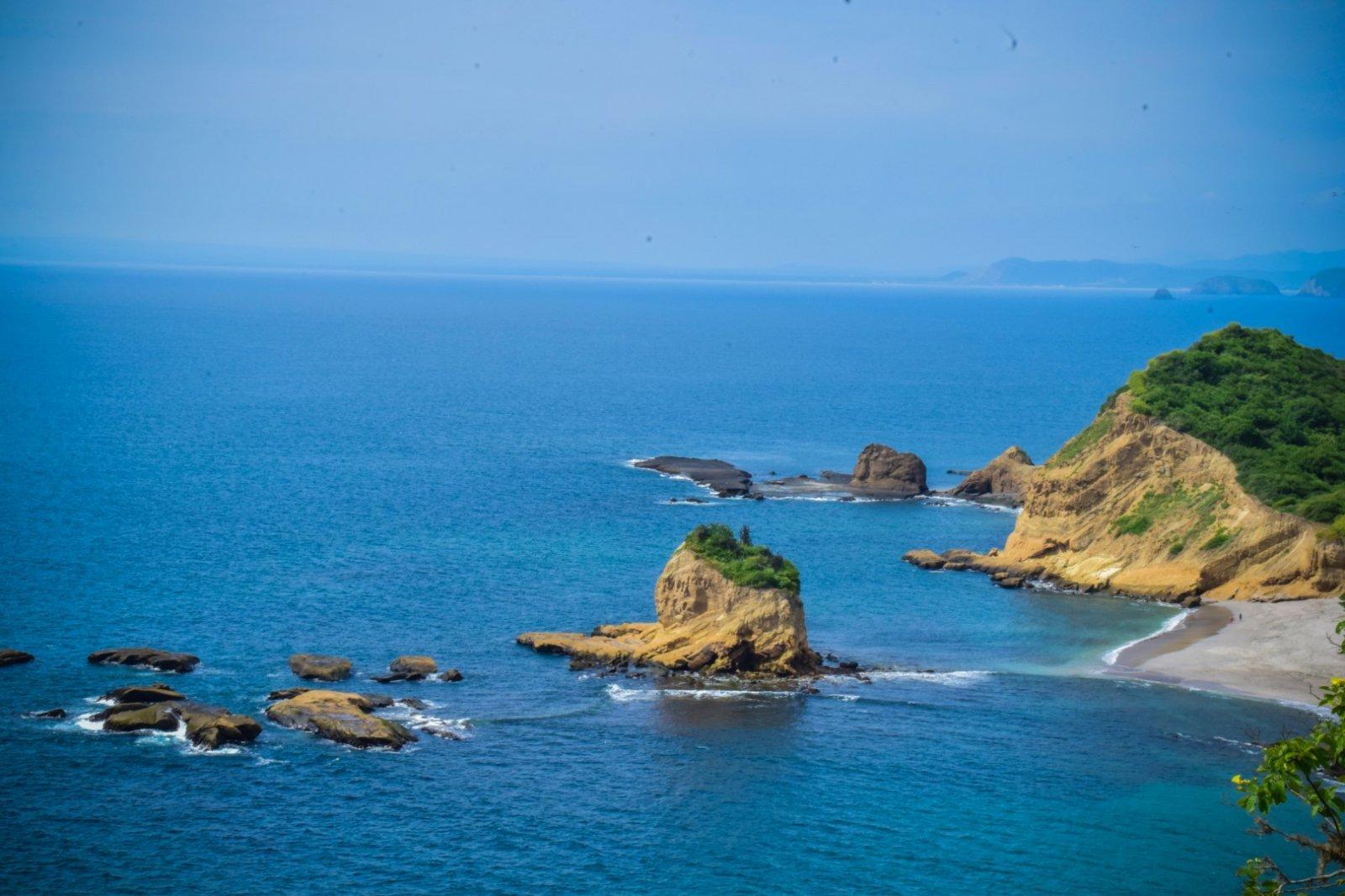 6 playas de Manabí reabren el Miércoles 22 de Julio 2020