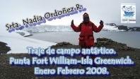 EN TRAJE DE CAMPO PARA LA ANTARTICA