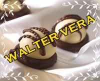 JOVEN RESPONSABLE DE LLEVAR CHOCOLATES